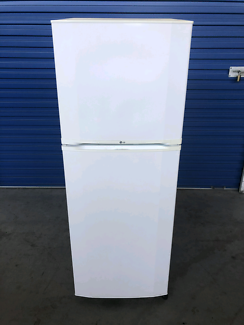 Fridge/freezer - LG 205L frost free (Delivery Available)