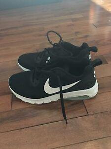Size 7 women's Nike runner