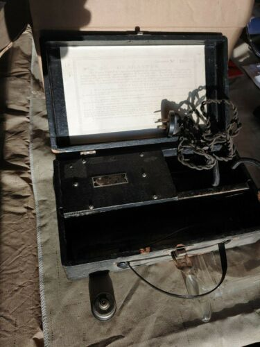 Antique Ultraviolet Master Violet Ray Generator W/Case Quackery Medical