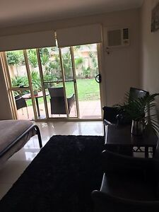 SELF CONTAINTED GRANNY FLAT FOR RENT BROADBEACH WATERS Broadbeach Waters Gold Coast City Preview