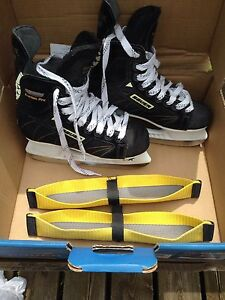 Youth Bauer Supreme Custom Pro Skate Jr 3.5
