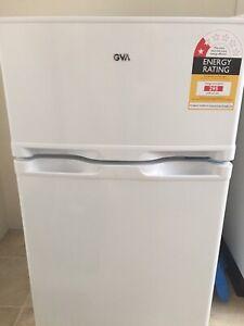 Excellent condition bar fridge