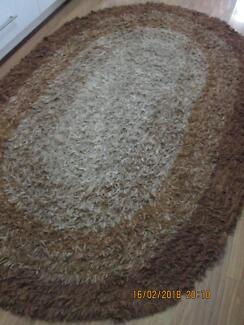 WOOL SHAGGY RUG thick an beautiful oval 255cm by 170cm