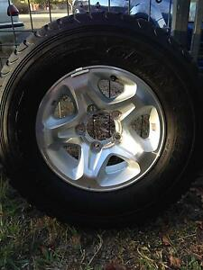 2013 Toyota Land Cruiser GXL factory rims and tyres Mareeba Tablelands Preview