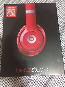 Beats Studio 2.0 Wired OverEar Headphone - Red