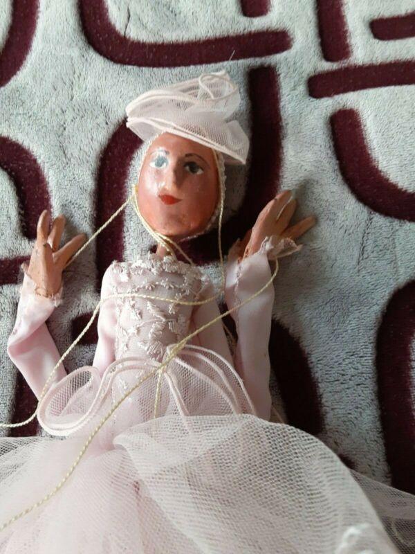 Marionettte doll