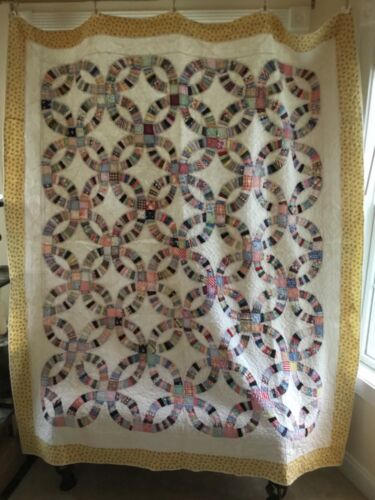 COLORFUL 1930's DOUBLE WEDDING RING QUILT - LOTS of FEEDSACK FABRICS!