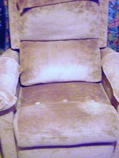 Electric arm chair that puts you in a standing model $150.00 Carrum Downs Frankston Area Preview