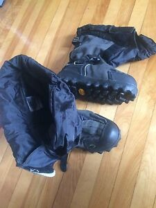 Neos Navigator 5 winter overboots size small