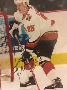 Autograph picture of flames Martin Gelinas (23)