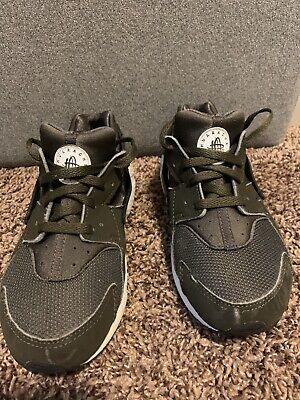 Nike Huarache Run Army Green White GS Size 2.5Y