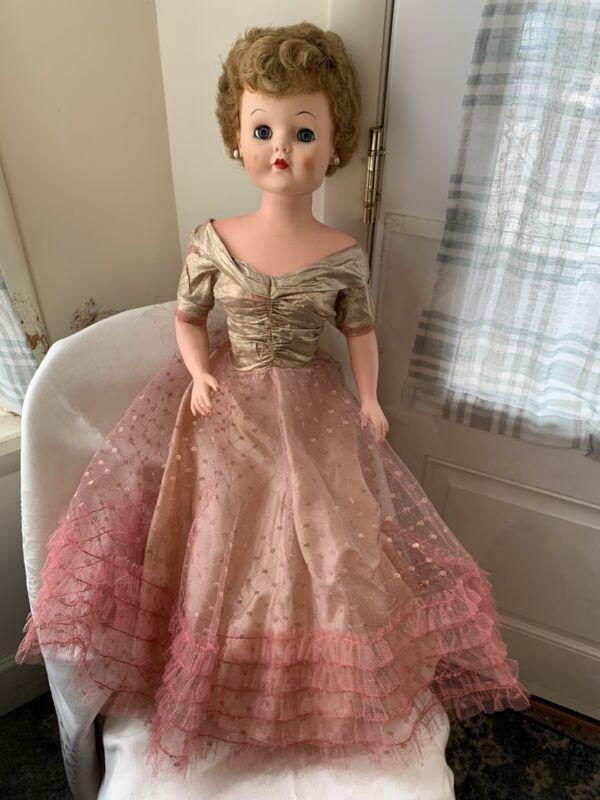 vintage DeLuxe Premium Reading Cinderella doll w Original Dress Grocery Store