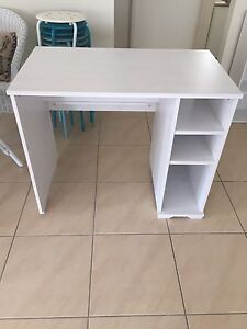 White desk - first to pick up can have it Shell Cove Shellharbour Area Preview