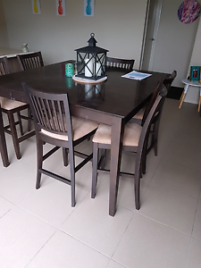 Dinning table Cranbourne West Casey Area Preview