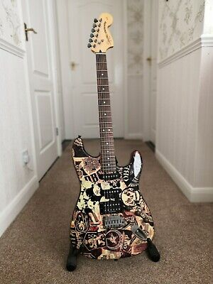 Rare OBEY Edition - Fender Squier Standard Stratocaster 2006  - Electric Guitar