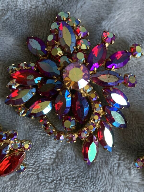 Gorgeous Vintage Aurora Borealis Brooch And Earrings #2321