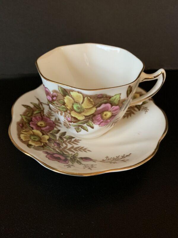 Vintage Rosina Bone China England Floral Gold Trim Teacup And Saucer 4999