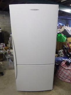 Large freezer /fridge 519L F &P.Working order