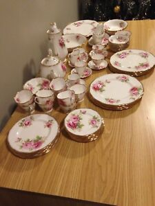 70 piece Royal Albert American Beauty china set