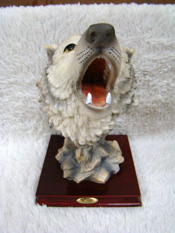 La+Anina+Collection+Beautiful+Wolf+Polyresin+Figurine%2C+Glossy+Wood+Base%2C+China