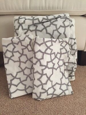 West Elm Embroidered Star Full Queen Duvet And 2 Standard Shams