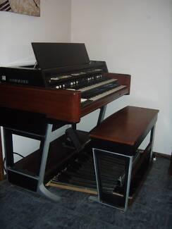 Hammond X77 Organ and Leslie Speaker Wilberforce Hawkesbury Area Preview
