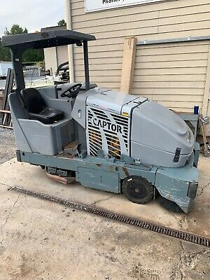 Nilfisk Advance Captor 4800 Floor Scrubber Ride On Floor Sweeper Electric