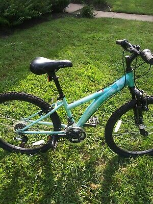 Bicycles Diamondback Mountain Bike 2 Nelo S Cycles