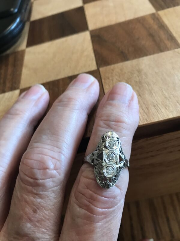 18 k filligree diamond ring