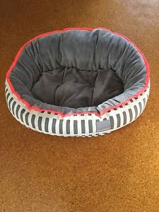 Dog bed (small) North Beach Stirling Area Preview
