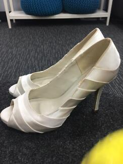 Wedding shoes Shepparton Shepparton City Preview