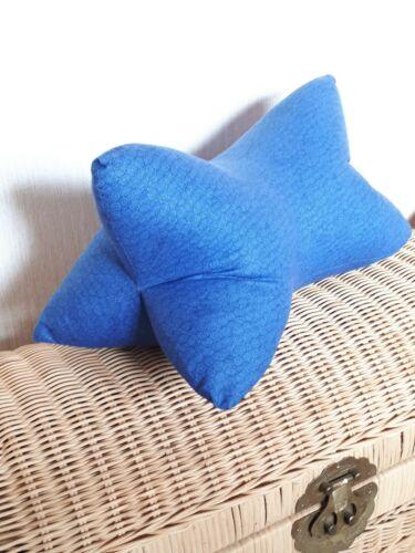 Leseknochen Nackenrolle Kringel blau