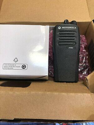 Motorola Cp200d Digital Analog 403-470 Uhf 4 Watt 16 Channel Aah01qdc9jc2an