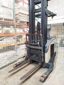 Crown RR5020 Reach Forklift Good condition with charger Auburn Auburn Area Preview