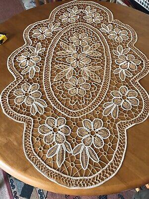 "Romanian Artisan Handmade Crocheted Macrame Tablecloth 40""/25,5"" New"