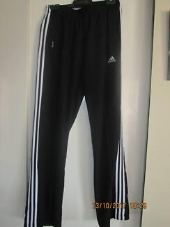 ADIDAS  TRACKPANTS  mens size small   womens med/lg