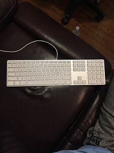Apple Keyboard with number pad Kingston Kingston Area image 1