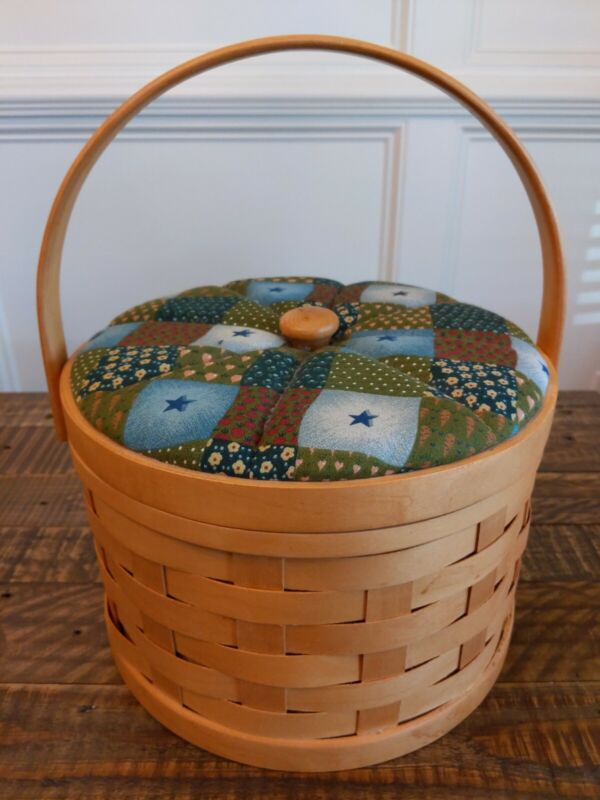 Vintage Round Sewing Basket Cushioned Top Lid Handle pincushion quilted