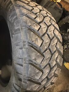 37/13.5R22 Nitto tires