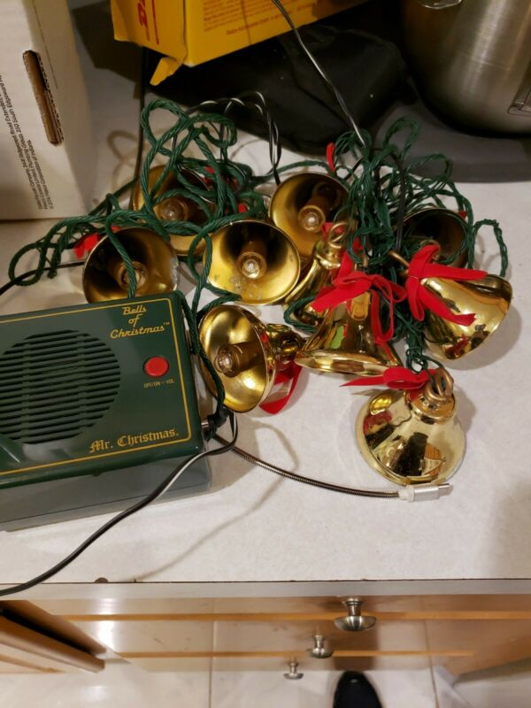 Mr.Christmas Bells of Christmas 10 Lighted Musical Bells-For Parts ,needs bulbs