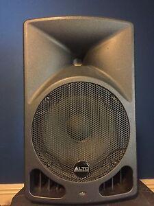 Powered speakers / DJ speakers / pa speakers / PA system