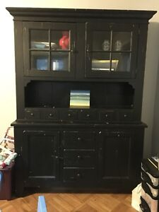 Broyhill Attic Heirlooms Wood China Cabinet And Hutch In Black, Solid Oak