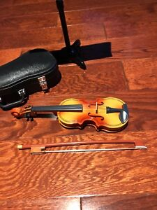 "American Girl ""Violin and Stand"""