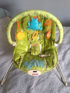 Sold -ppu - Vibrating  bouncer chair- Fisher price