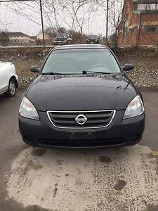 2003 Nissan Altima s 2.5 4 cylinders mint condition!