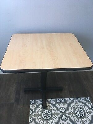 41 Ubk Lem Small Restaurant Tables 1-14 Thick 29-14 H Used