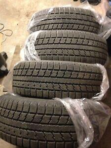 245 60 18 Toyo gsi-5 Hiver Winter Pneux Tires