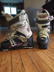 Nordica fire arrow white and grey ski boots size 8.5 women's