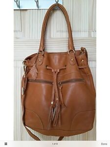 Roots small Longbeach Tote in Tan Pebbled Prince Leather