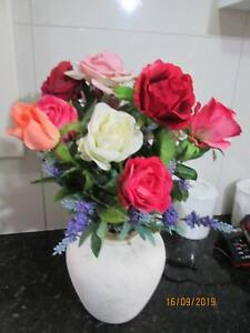 HEAPS OF FLOWER ARRANGMENTS . all beautiful , pick up parahills